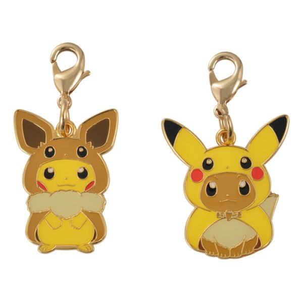 Photo1: PokPokemon Center 2018 FAN OF PIKACHU & EEVEE Poncho Metal charm (1)