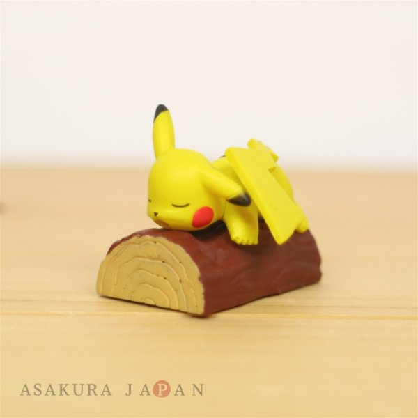 Photo1: Pokemon 2020 Everyone's Snorlax Gacha Pikachu Mini Figure (1)
